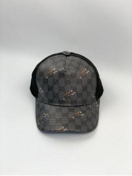 Кепка серого цвета Gucci принт тигры