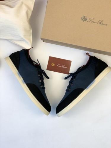 Кроссовки Loro Piana синего цвета с черной вставкой