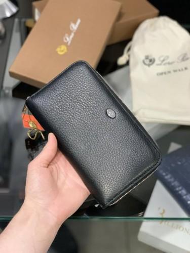 Бумажник Loro Piana черный кожаный