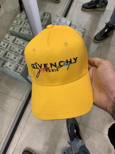 Желтая кепка Givenchy